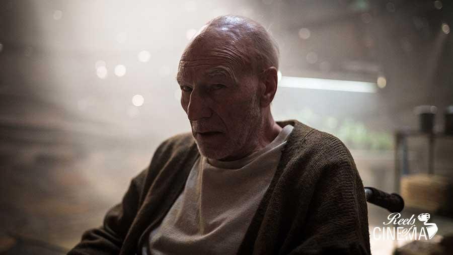 Charles Xavier (Patrick Stewart)