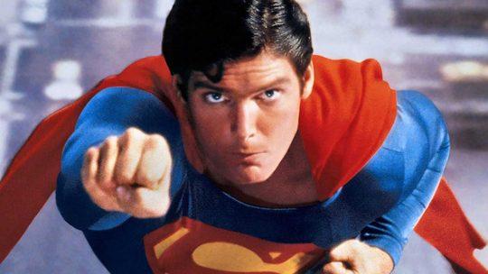 Superman imagen destacada